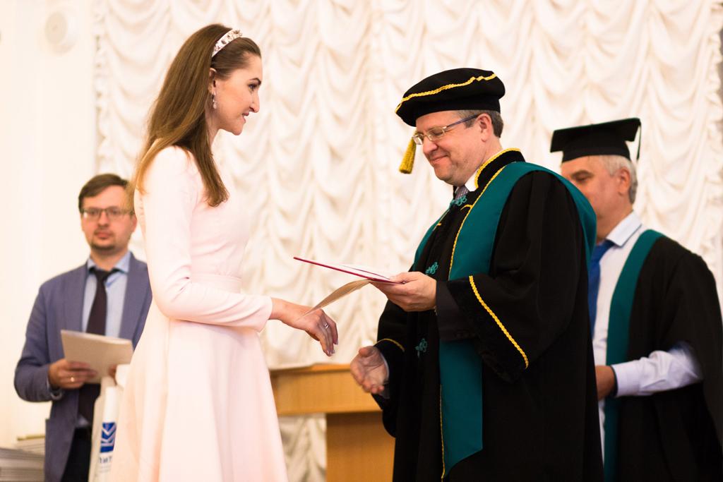 Вручение дипломов об окончании аспирантуры первому выпуску аспирантов СПбПУ