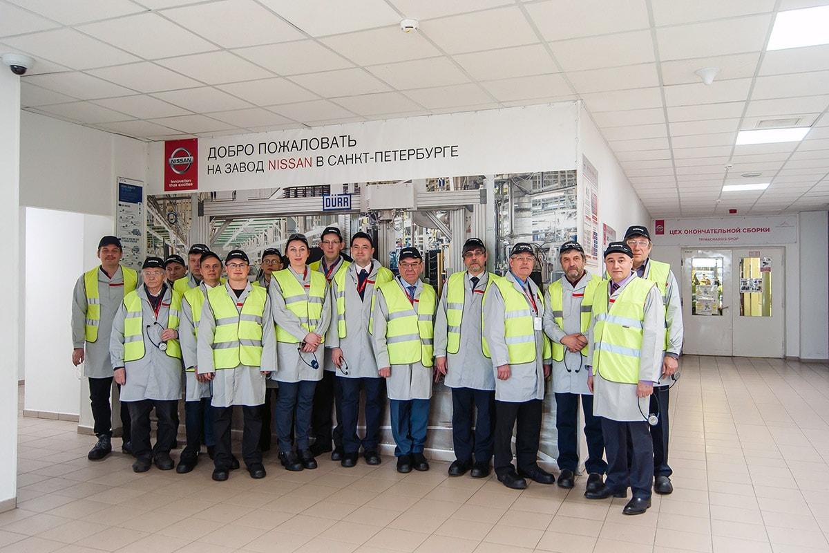 Ведущие ВУЗы Санкт-Петербурга на заводе Nissan.
